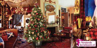 versierde-Nordmann-kerstboom-9-Britisch-Queen-sfeerbeeld
