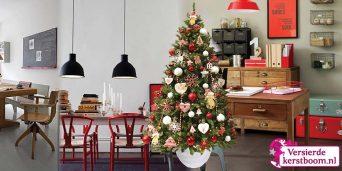 versierde-kunstkerstboom-Urban-Scandinavian-sfeerbeeld