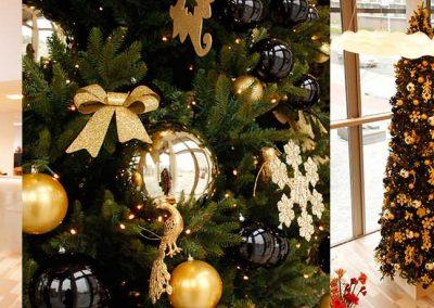 versierdekerstboomNL-hoge-kerstboom